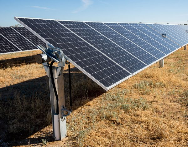 canadian solar suntop solar farm array